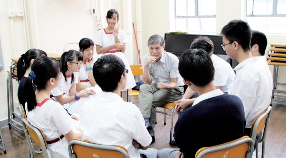學校透過小組分享、團契等活動推動校園靈育工作,引導學生認識信仰,培養積極正面的人生價值觀。