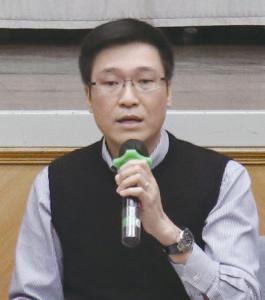 香港通識教育教師聯會主席關展祺認為, 通識科可考慮跨科合作, 以爭取更多的資源。