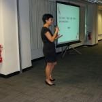 明報教育產品策劃經理陳翠賢女士向與會者致歡迎詞,介紹iRead閱讀文化平台。